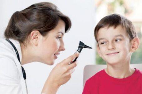 كيف تعرف أن طفلك الصغير مصاب بفقدان السمع ؟
