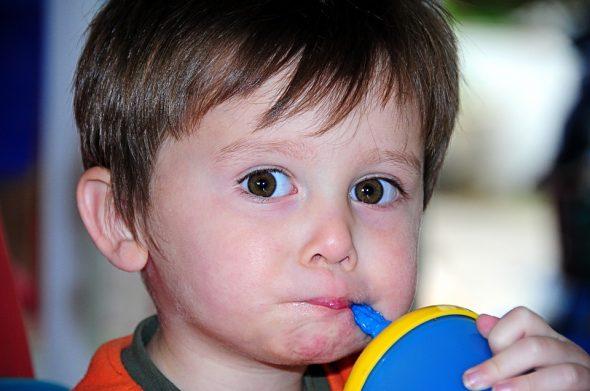 أسباب الجفاف وعلاجه عند الاطفال